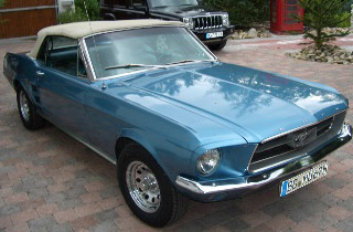 Ford-Mustang-T5-blau