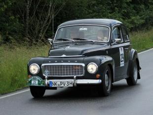 2-44-17-Volvo-PV-544